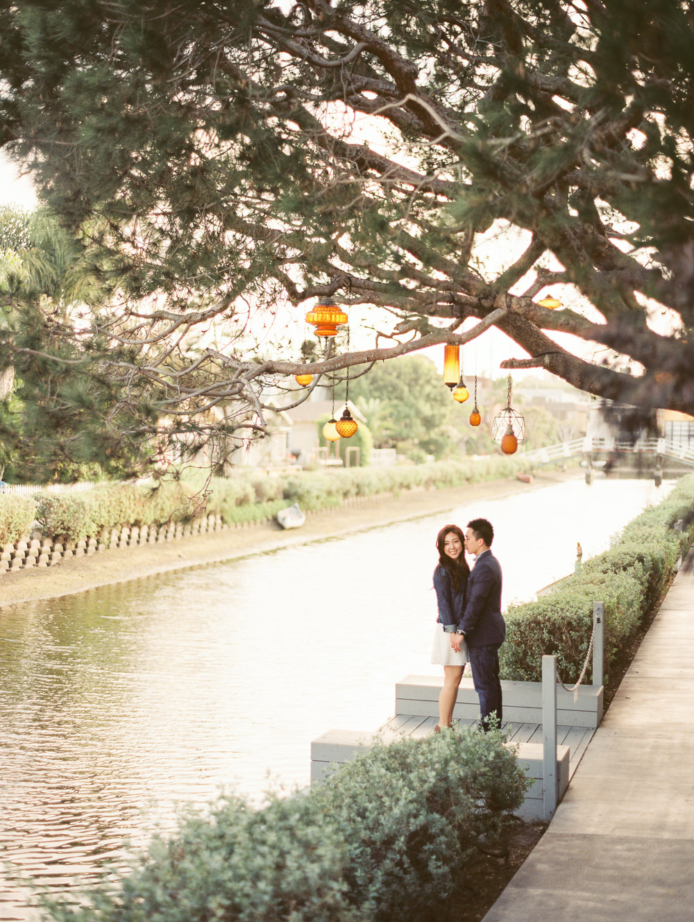venice-canals-los-angeles-beach-engagement-photos-0001
