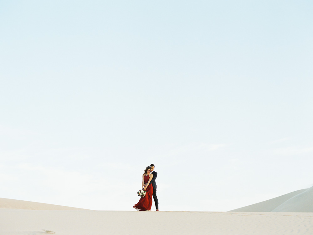 sand-dunes-engagement-wedding-photos-0033