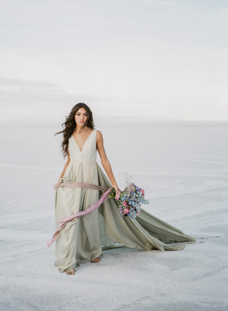 UTAH-SALT-FLATS-BRIDAL-CAROL-HANNAH-EDITORIAL-0017